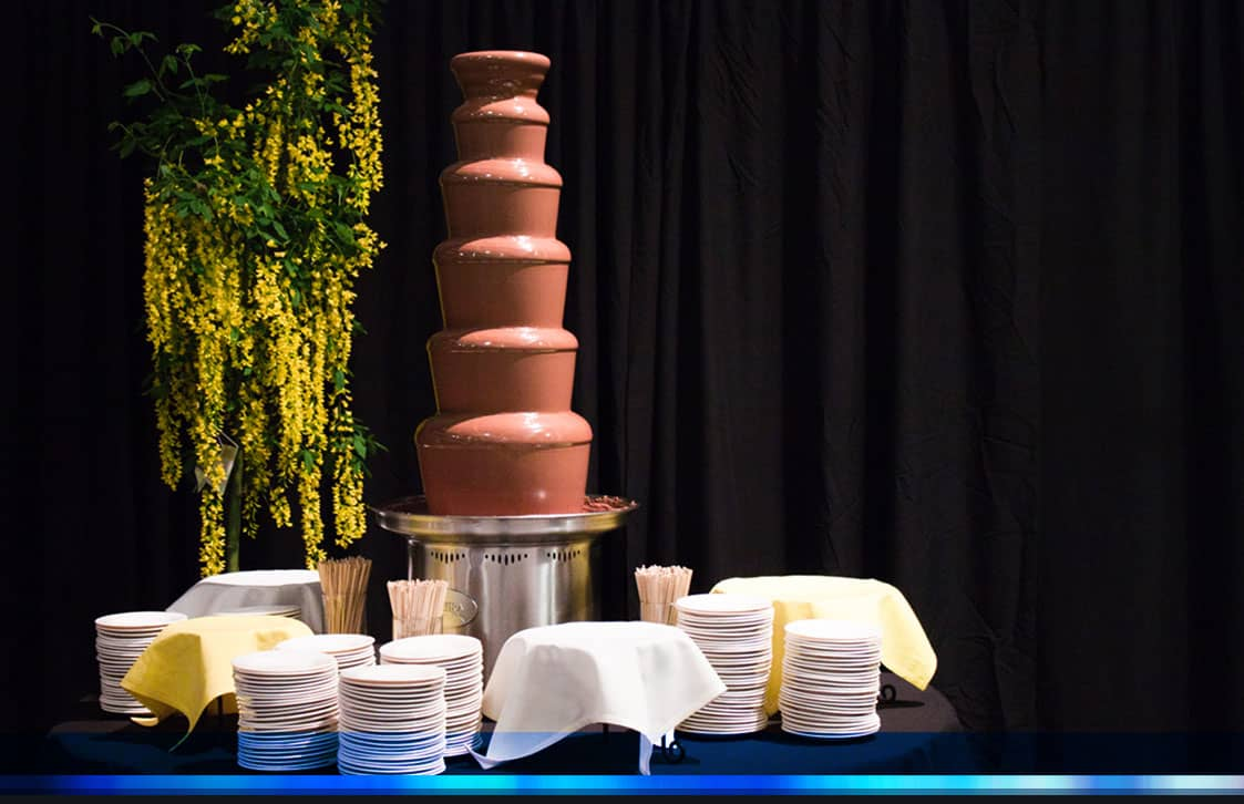 img_parallax_tall_catering